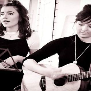 Acoustic Night with Evie & Orla