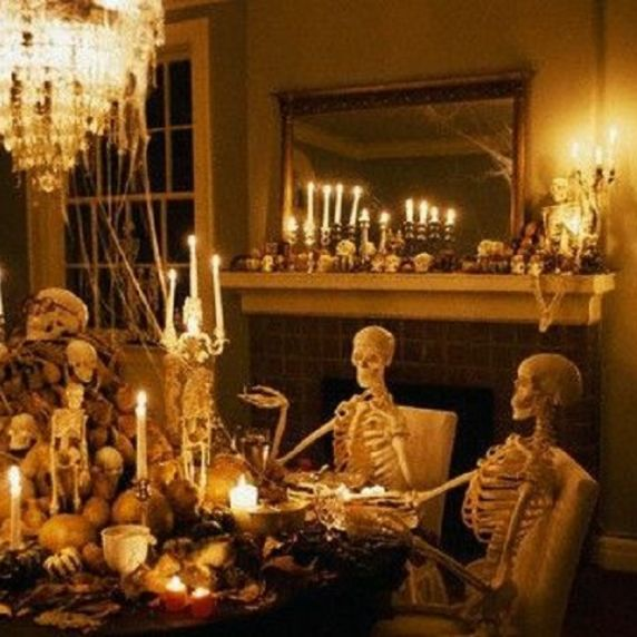 Christmas Special – Dining with the Dead – and River Ghost Walk