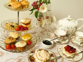 Afternoon Tea: I'll be there in a Prosecco!